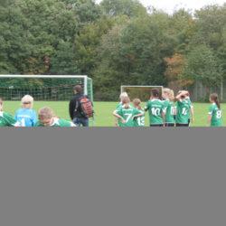Können Mädchen besser Fußball spielen als Jungen?